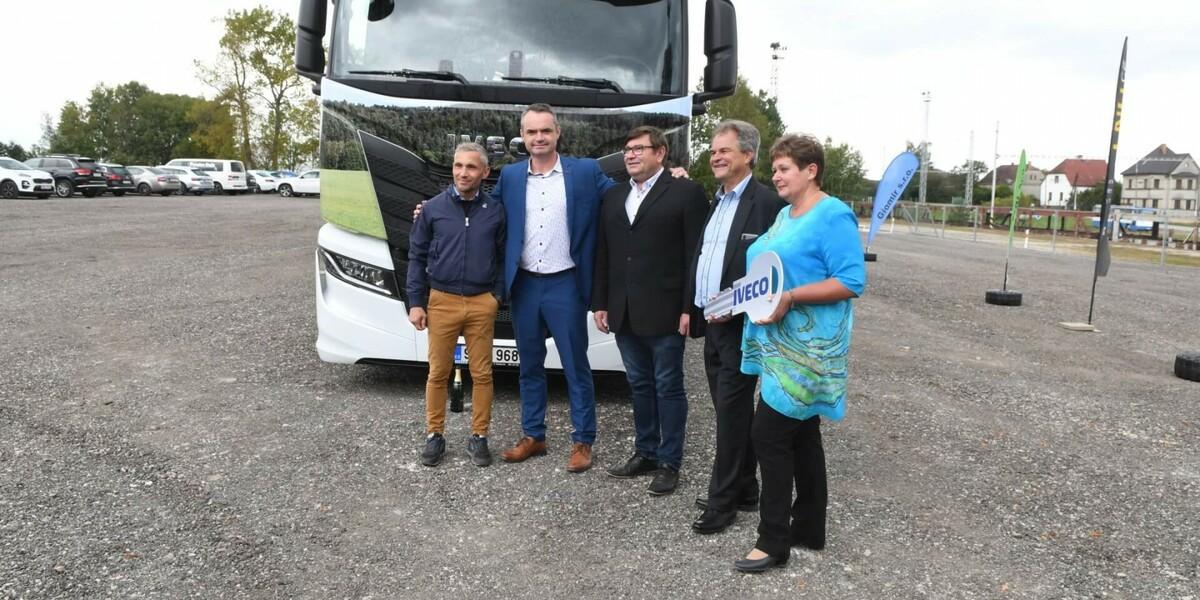 GIOMIR vykročil vstříc udržitelnosti s novým nákladním vozem  IVECO S-WAY NP na LNG